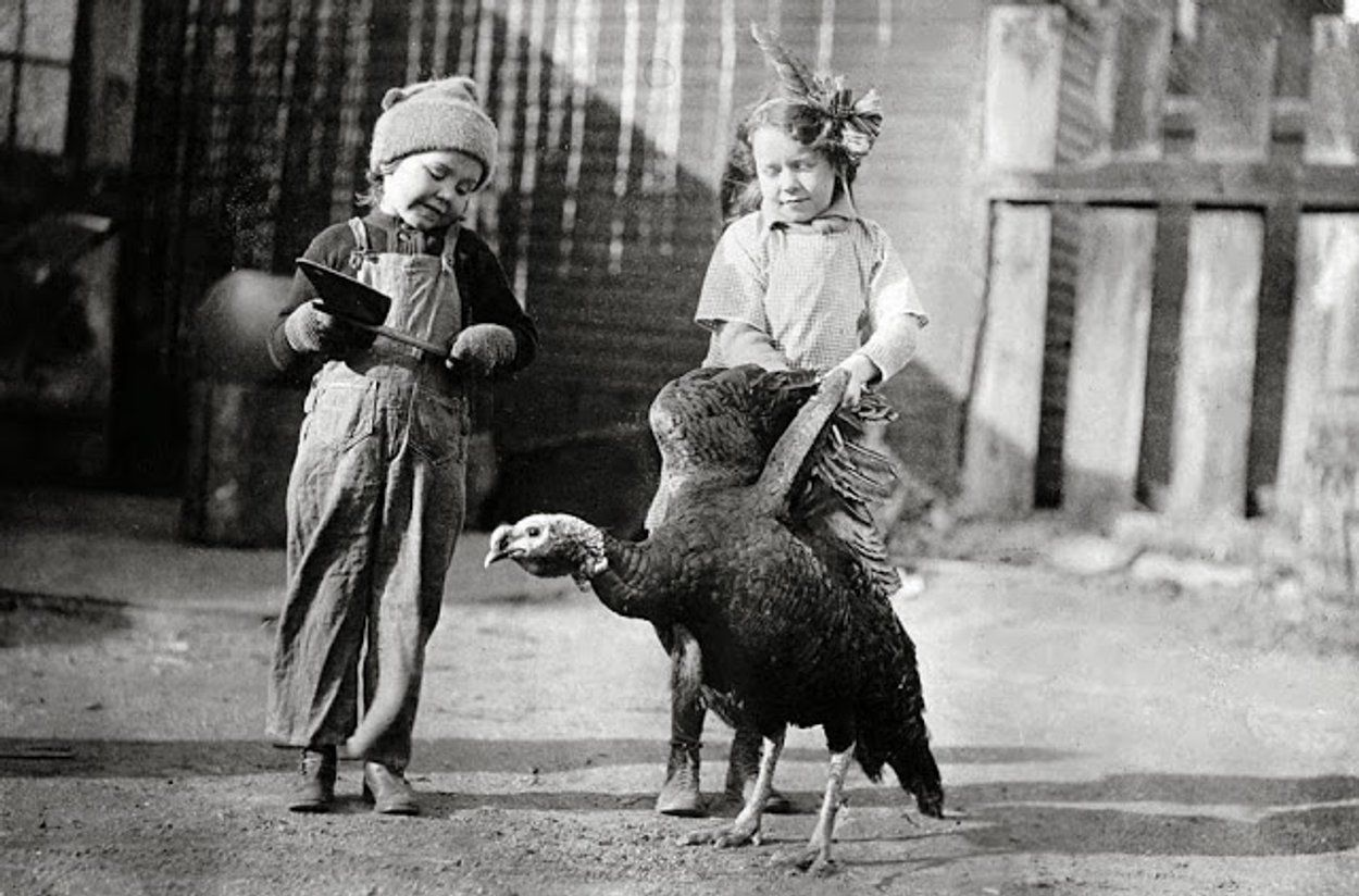 Happy Thanksgiving! Here Are 34 Funny Vintage Photos of