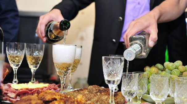 ACE Beverage Catering & Delivery works with caterers & venues in town providing beverage delivery and pickup for weddings, corporate events and special events.
