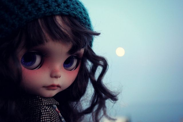 Does falling under the moon´s spell make me moonstruck? by Vainilladolly, via Flickr