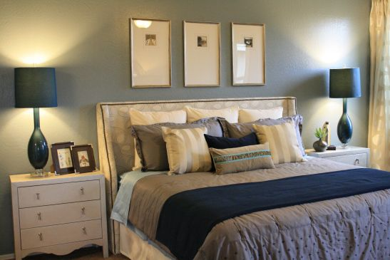 Blue And White Family Room White Family Rooms Home Bedroom