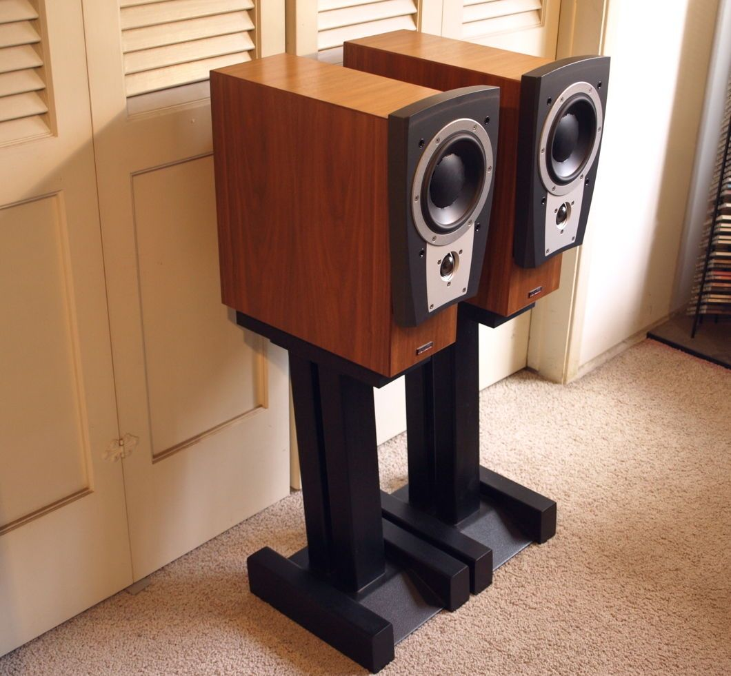 dynaudio confidence c1 speakers w custom metal stands walnut veneer near mint hifi custom. Black Bedroom Furniture Sets. Home Design Ideas