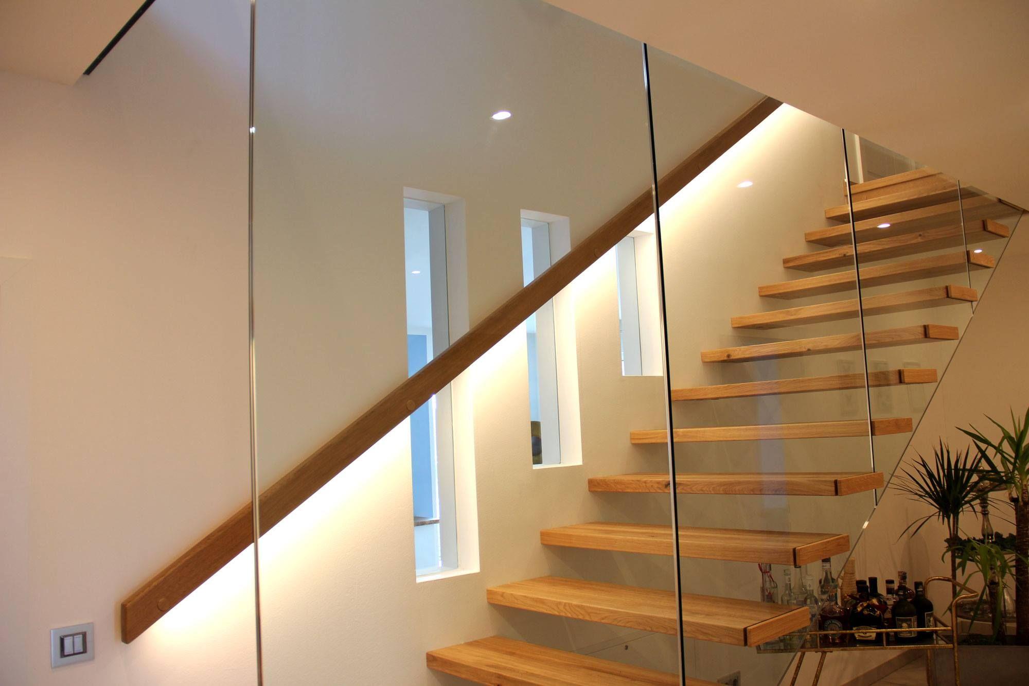 Beleuchtung Im Handlauf Treppenhaus Beleuchtung Treppenbeleuchtung Beleuchtung