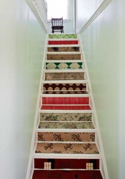 Adding Beautiful Wallpapers To Stairs Risers For Original Staircase Designs Wallpaper Stairs Staircase Design House Interior