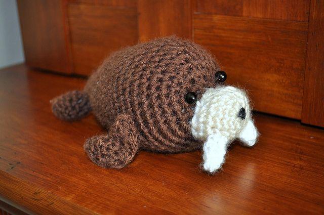 Little Amigurumi Lion : Ravelry little amigurumi walrus pattern by lion brand yarn