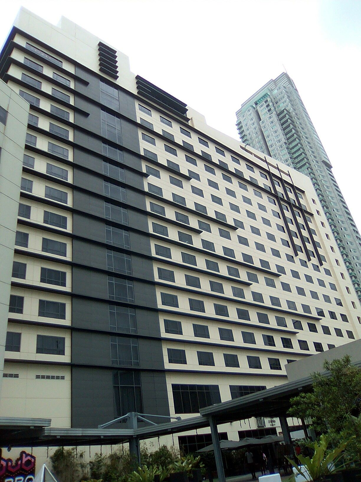 holiday inn and suites makati, 2017 | makati, building, places