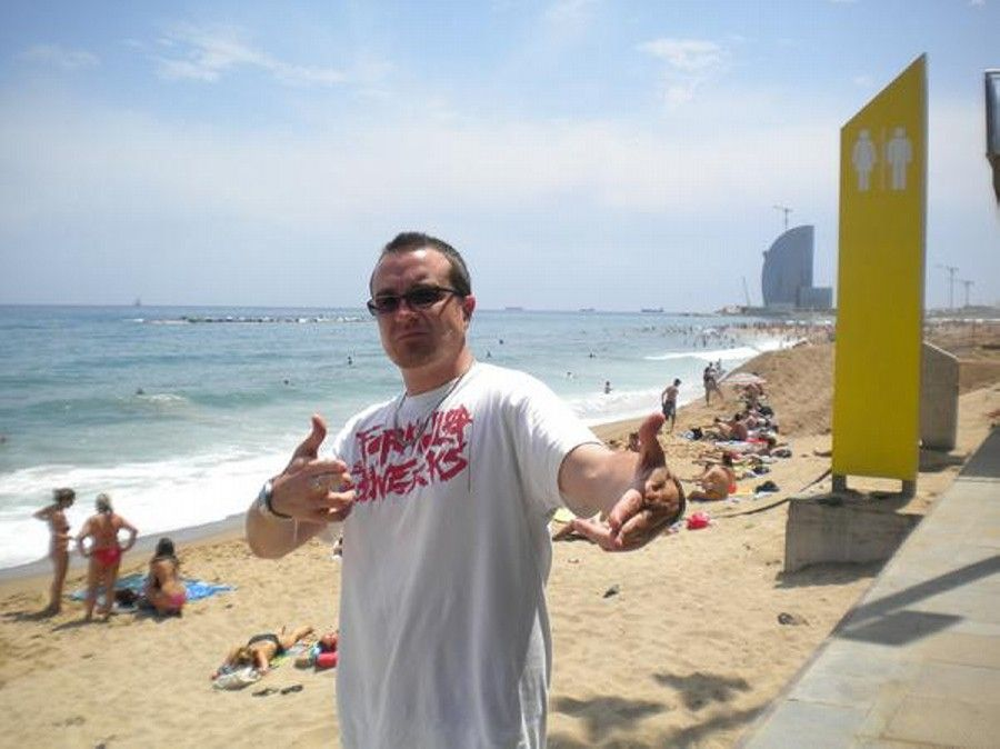"Demon rocks our ""Resist"" T-shirt in Barcelona. (Formula / Joey Potts)"