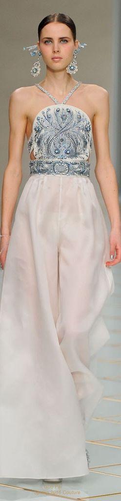 vestidos de novias con pantalones para el civil (o no): tendencias