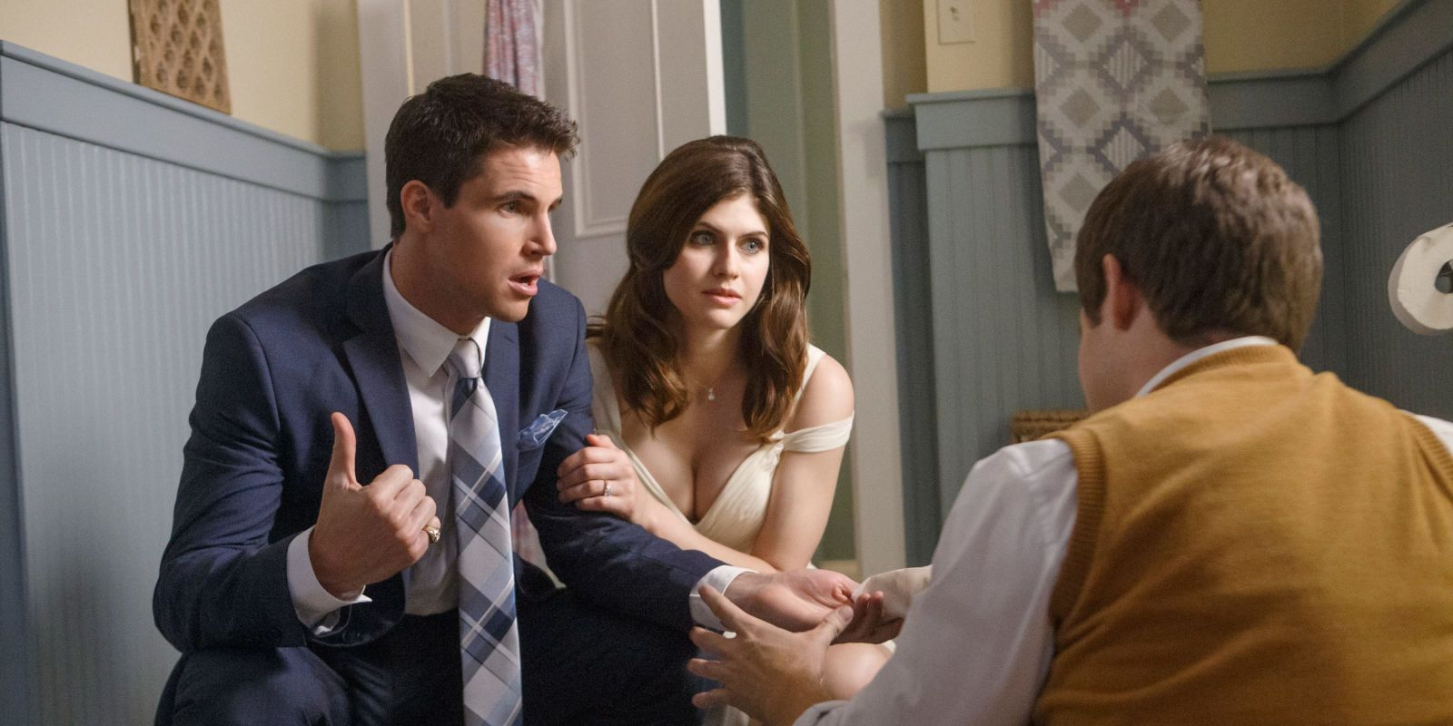 Alexandra Daddario And Robbie Amell In When We First Met Comedy