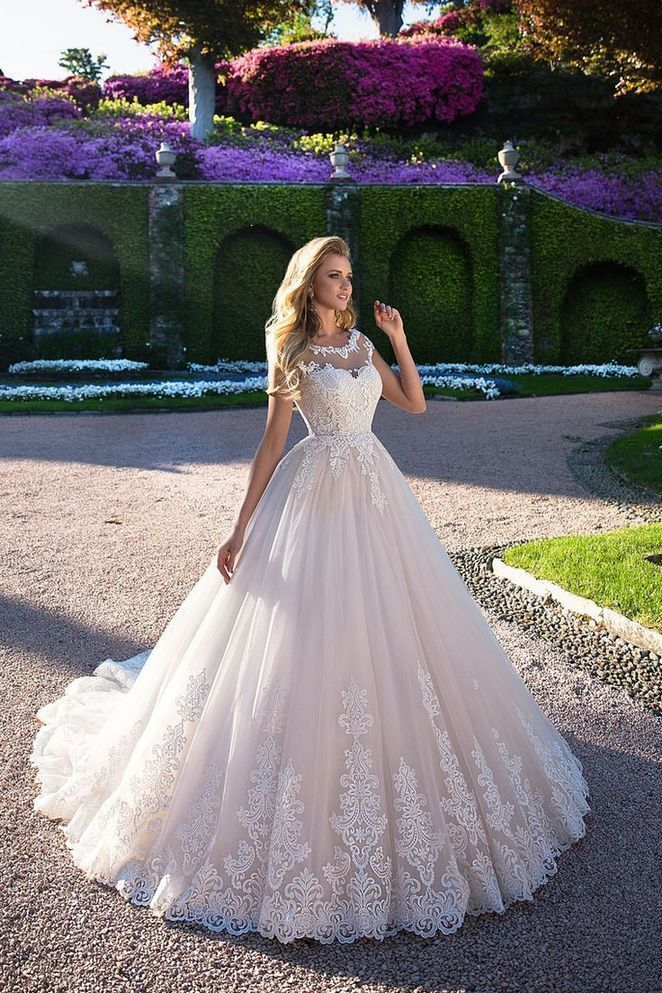 19+ Tremendous White Wedding Gowns Ideas 19+ Tremendous White Wedding Gowns Ideas Wedding Gown trumpet wedding gown