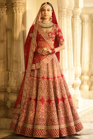 be83f77345e9c8 Peach Color Wedding Sharara in 2019   Dresses   Indian bridal ...
