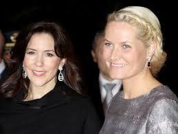 Kronprinsesser i Malysia 2013. Norges kronprinsesse Mette Marit og Danmarks kronprinsesse Mary.