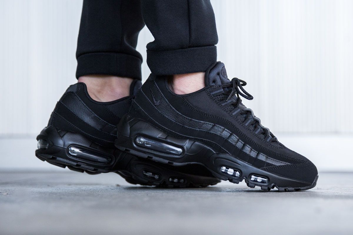 Nike Men's Air Max 95 Essential Black Black Shoes Landau