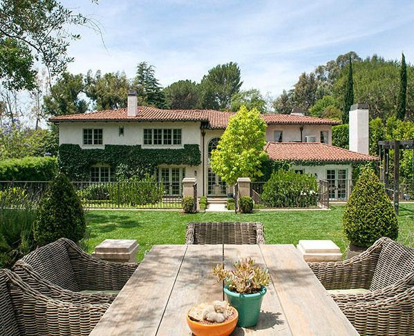Reese-Witherspoons-Brentwood-House-For-Sale-8.jpg (599×487)