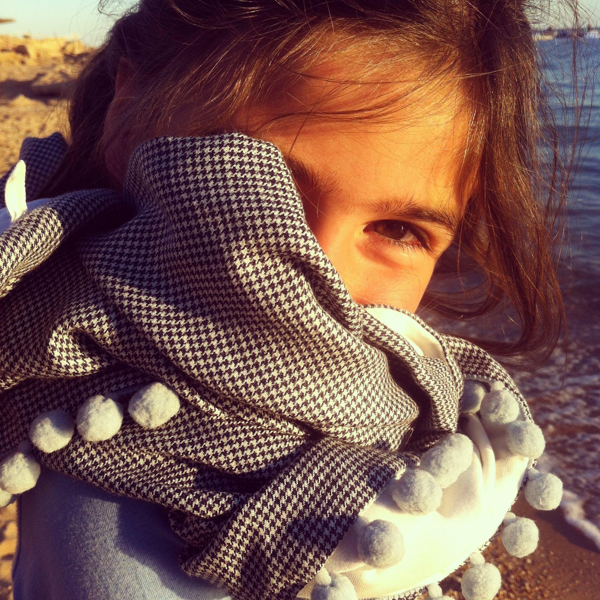 Enjoy ❤ Maxi Foulard / Copertina Le Pezze  www.lepezze.com Double-face foulard! #shoponline #foulard #LePezze www.lepezze.com