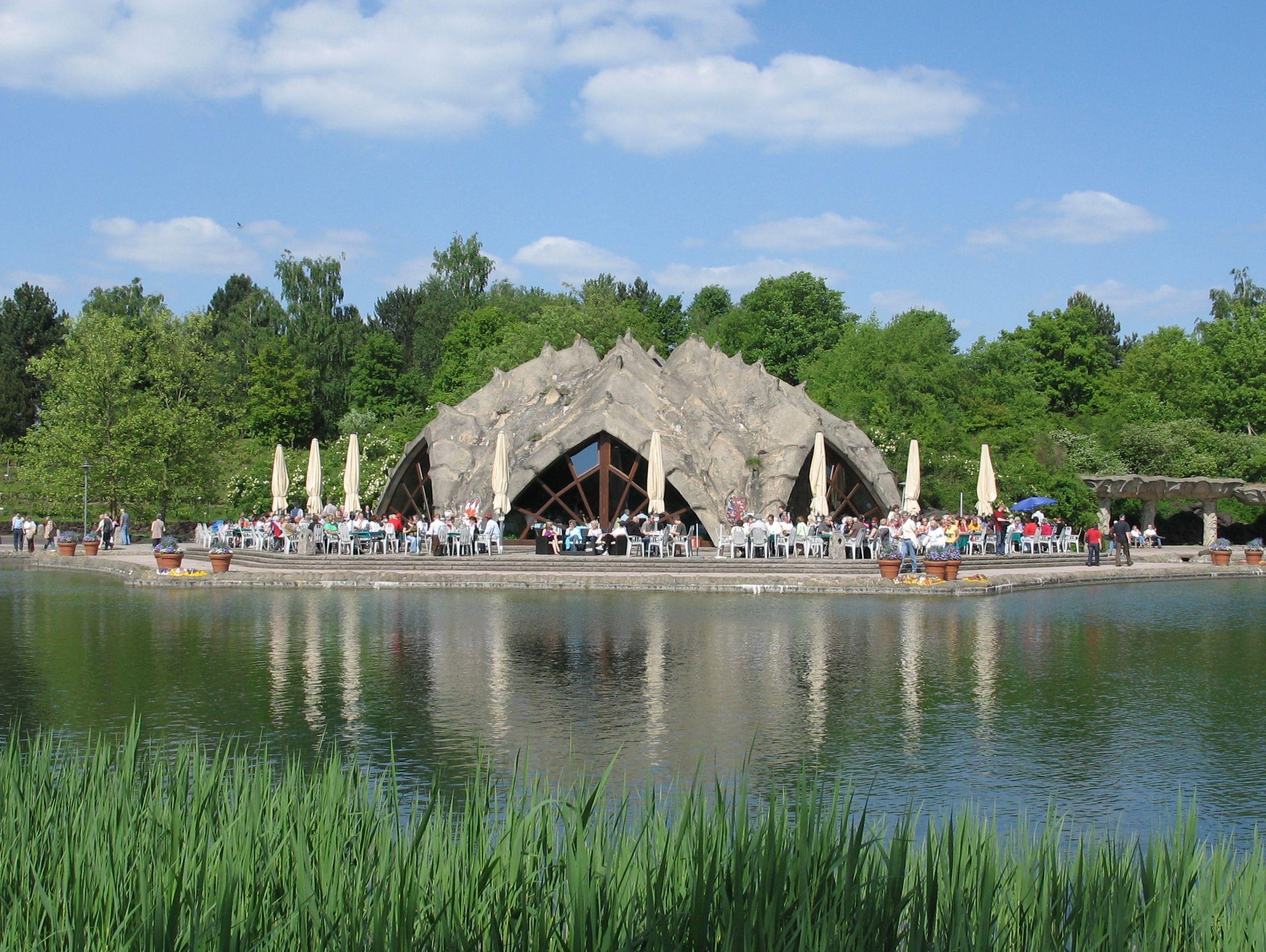 Britzer Garten The Most Beautiful Park In Berlin Day Trips Berlin Tour Modern Landscaping