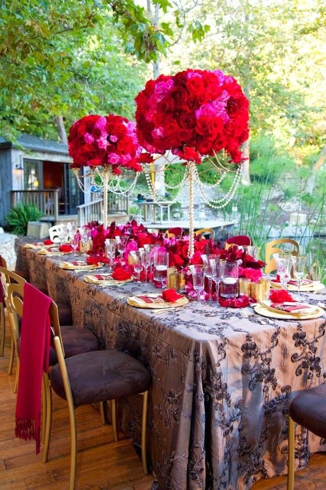 Raucous, Rowdy Red Weddings - Wedding Decoration. | Read more:   http://simpleweddingstuff.blogspot.com/2015/04/raucous-rowdy-red-weddings.html
