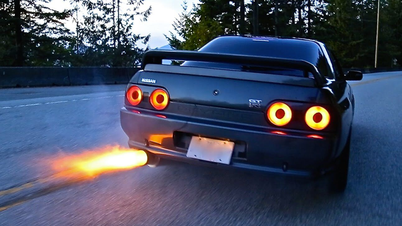 Black Nissan Skyline R32 Gtr Exhaust Backfire