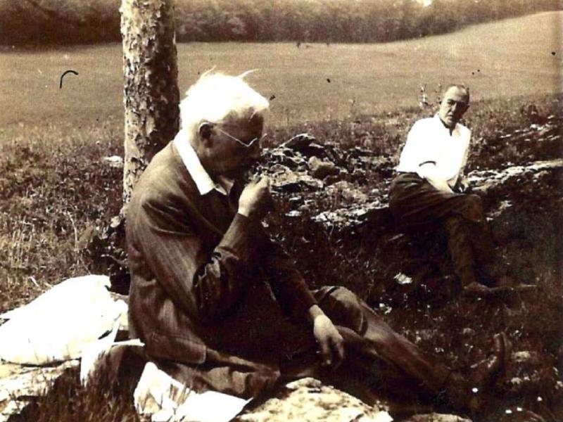 مفهوم الأخلاق تبديد أوهام متداولة Scenes Historical Figures Couple Photos
