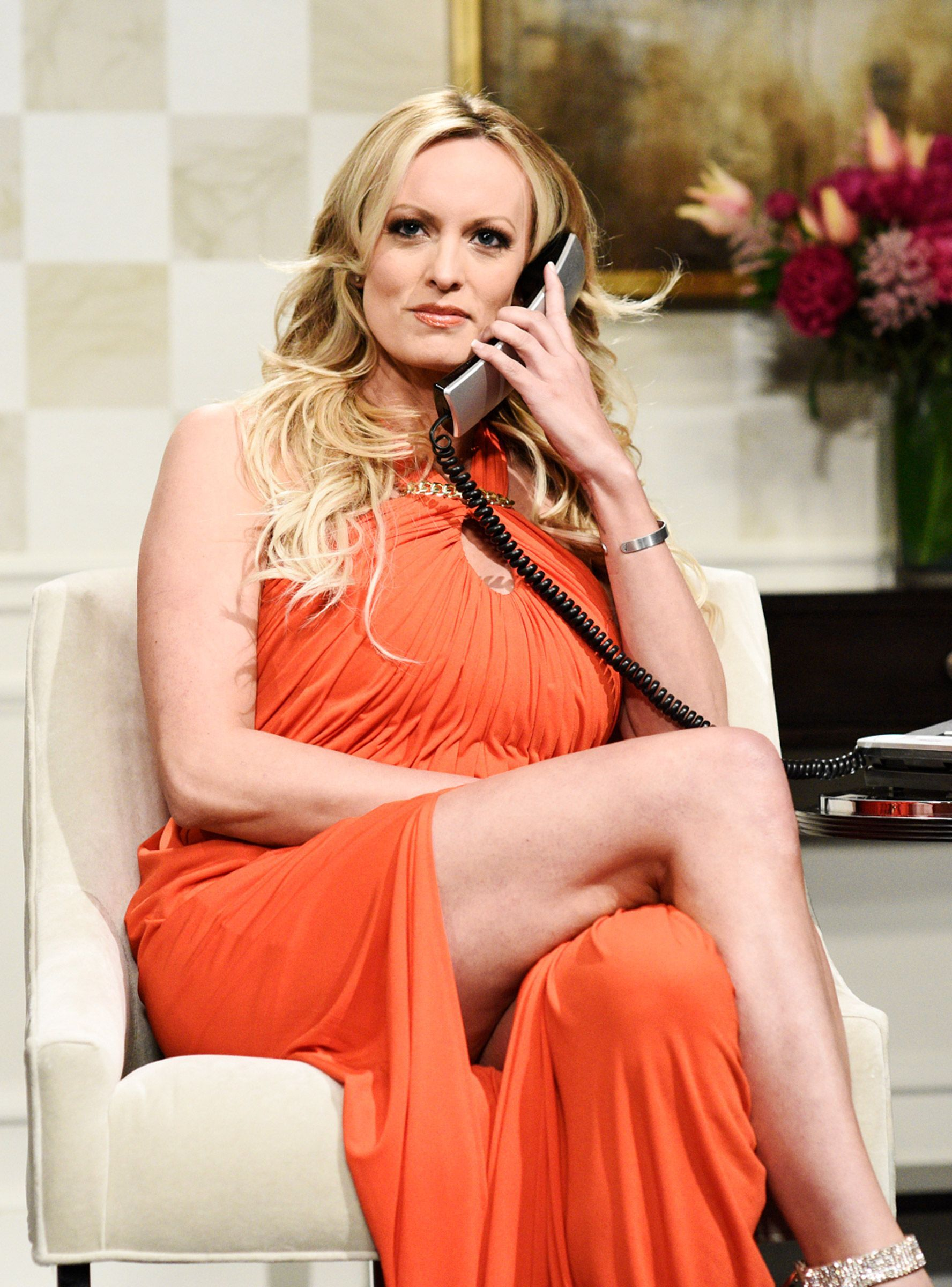 Stormy Daniels Made a Surprise Appearance on SNL and It Was Juicy AF Stormy Daniels Made a Surprise Appearance on SNL and It Was Juicy AF new pictures