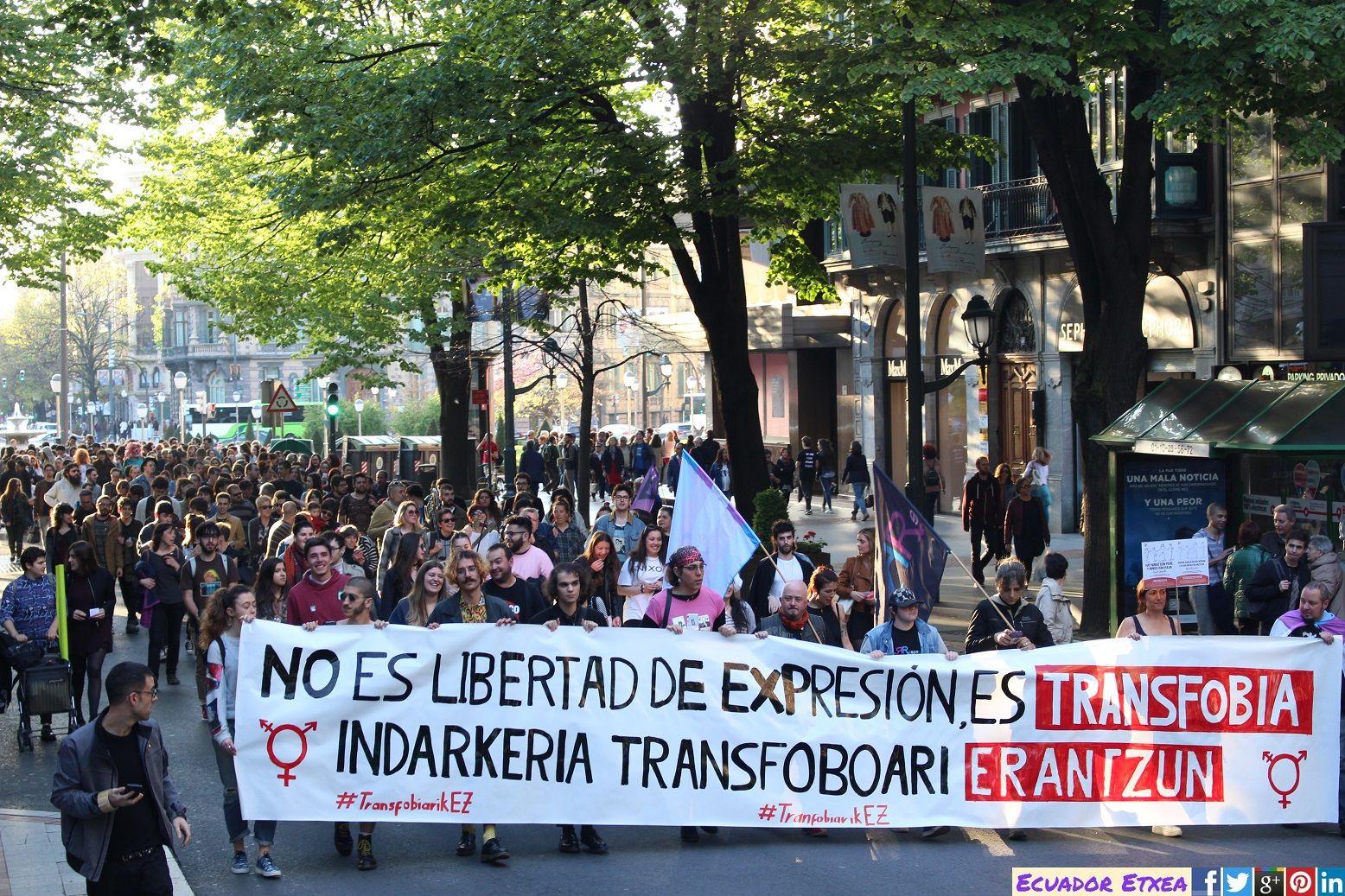 Manifestación: No es libertad de expresión, es Transfobia! 7/4/2017 #Bilbao http://bit.ly/2nMiUKH Organiza: EHuko LGTB Liga #TransfobiarikEZ