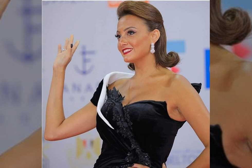 ماذا قالت بشرى عن تجسيد محمد رمضان لشخصية أحمد زكي فيديو Camisole Top Tank Tops Fashion