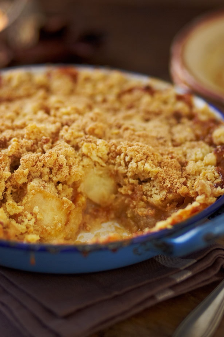 Rustle up a traditional toffee apple crumble to enjoy on Bonfire Night | Tesco #bonfirenightfood