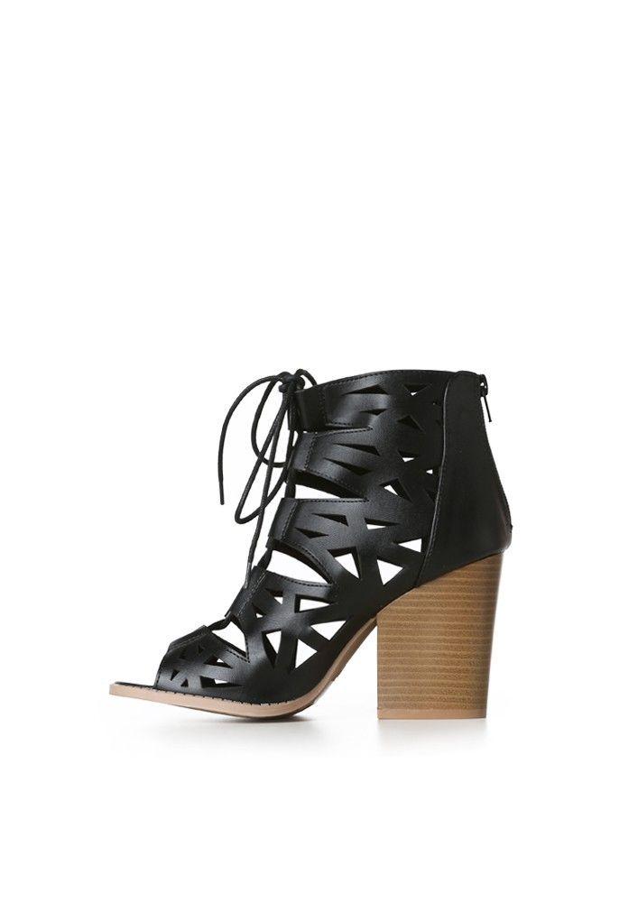 Me fascinan estas sandalias pero me parece que deben ser un poco incomodas en la parte delantera del pie.