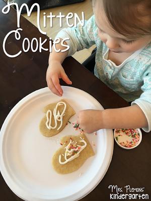 Mitten cookie snacks for your toddler or preschooler. {From Mrs. Plemons'…