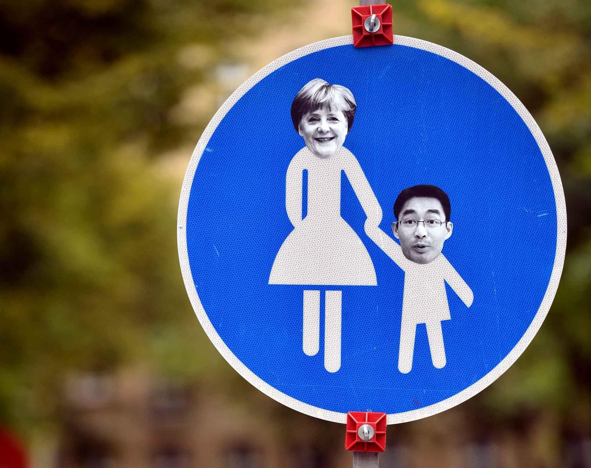 Un panneau de la route revisité par l'actualité politique enAllemagne, le 23 septembre.