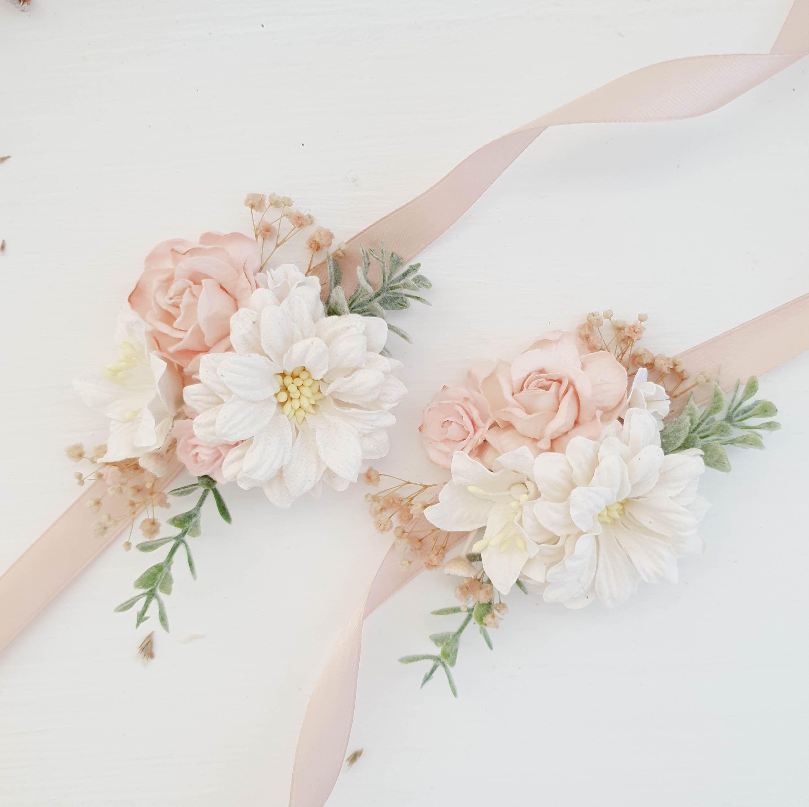 Blush Flower wrist corsage, Bridesmaids wrist corsage, Flower wrist corsage wedding #corsages