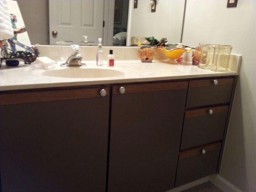 Hall bath: used counter top paint over Formica cabinet ...