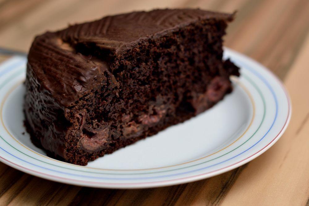 Schoko Kirschkuchen Saftig Schokoladig Vegan Und Fettarm Herbs Chocolate Veganer Kirschkuchen Schoko Kirsch Kuchen Lecker Backen