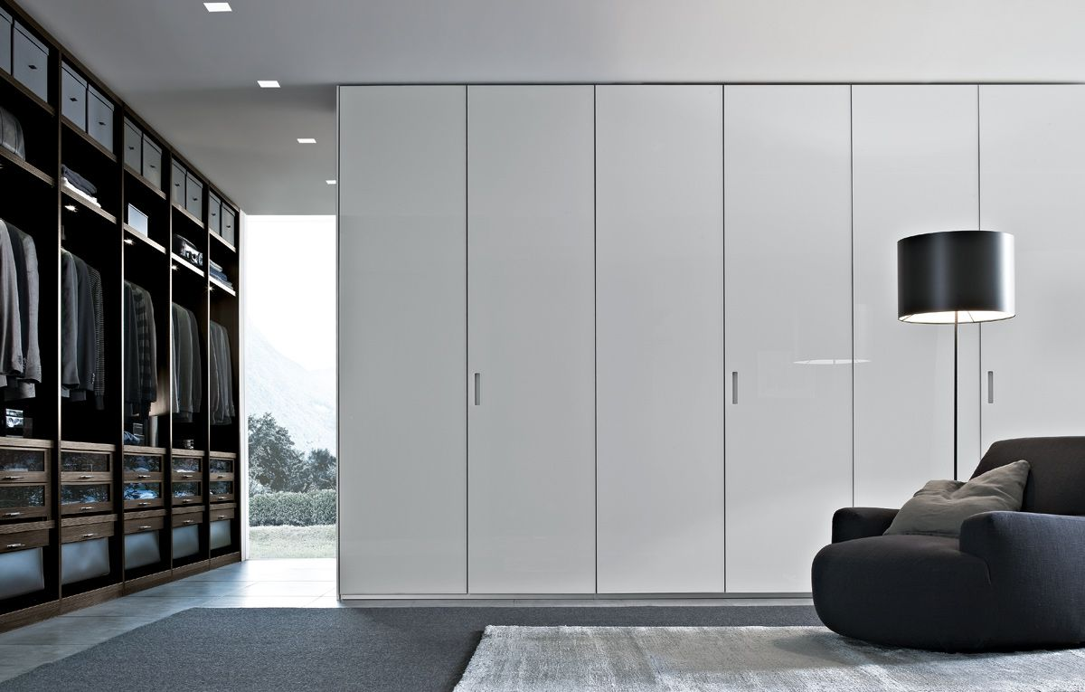 White poliform ocean closet with six doors for master for Kleiderschrank italienisches design