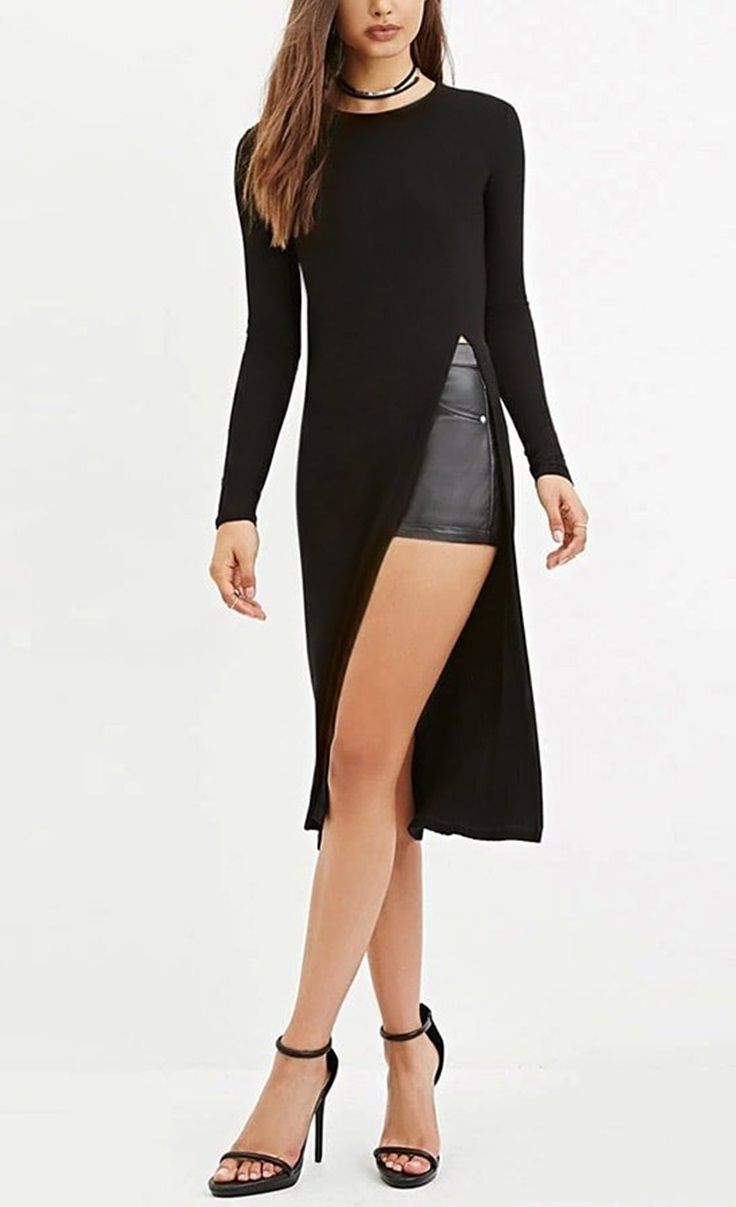 The long side slit of this black sideslit longline tee gives this