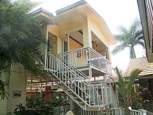 THAILAND - Isaan, in Udon Thani, Gästezimmer ab 22 EUR ruhige Lage, deutsche Gastgeber  | travel-friends.com