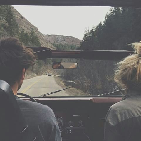 couple road trip  1d0b431a9c