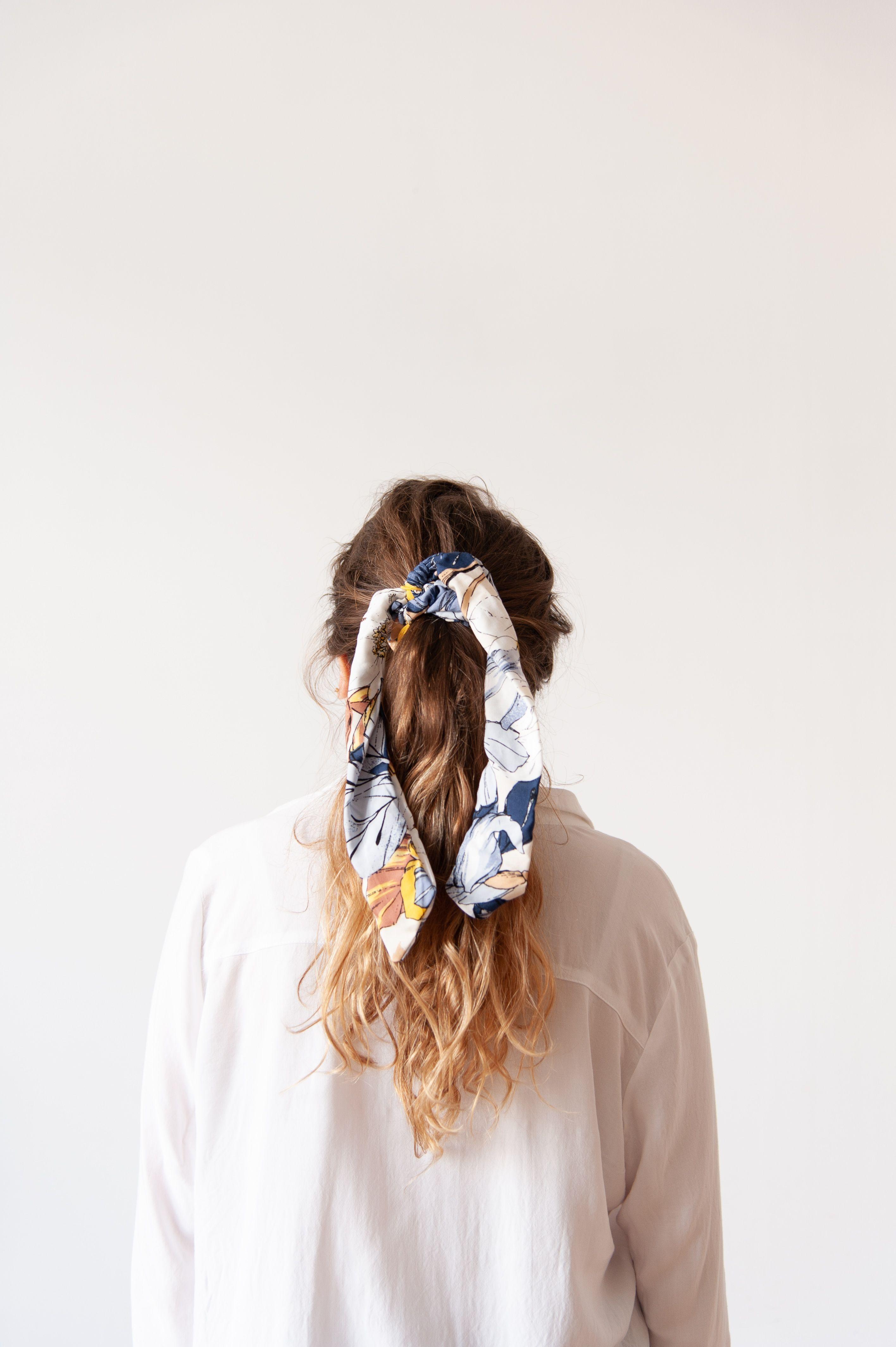 officiel 60% de réduction super populaire Chouchou foulard | MADA en 2019 | Coiffure avec foulard ...