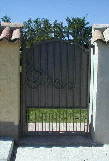 Cancello in legno - Cancello in ferro con rivestimento in legno ...