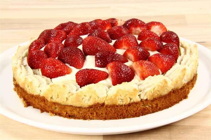 Alletiders Kogebog Jordbærtærte jordbærtærte på mazarinbund | opskrift i 2019 | jordbærtærte
