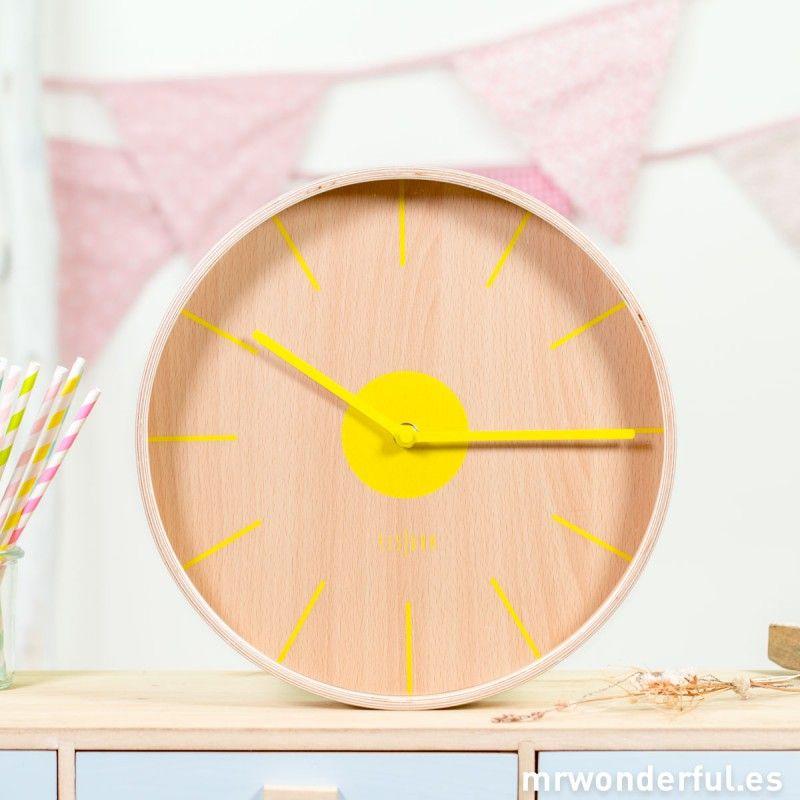 Reloj de pared de madera \
