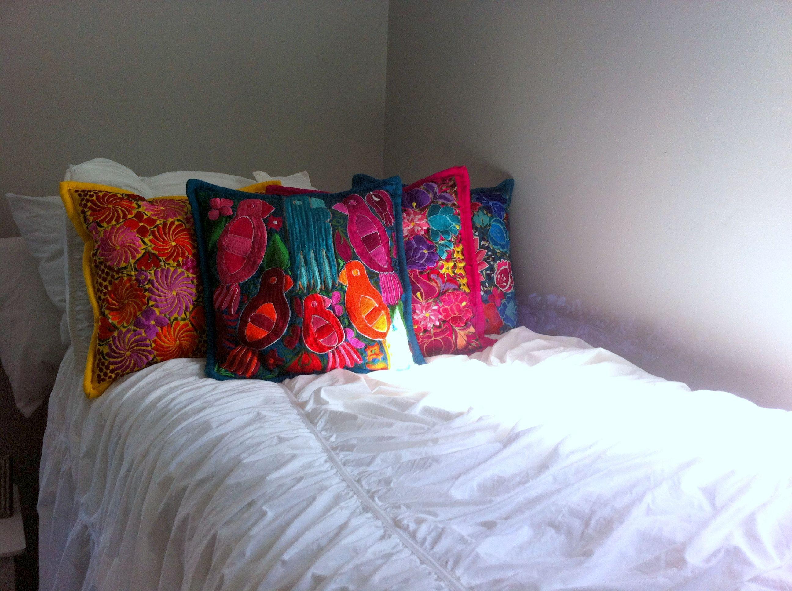 Decorative Pillows For Dorm Rooms : Dorm Room Decor with Various Pillows! www.frescofabrics.com Fresco Fabrics Pinterest Dorm ...