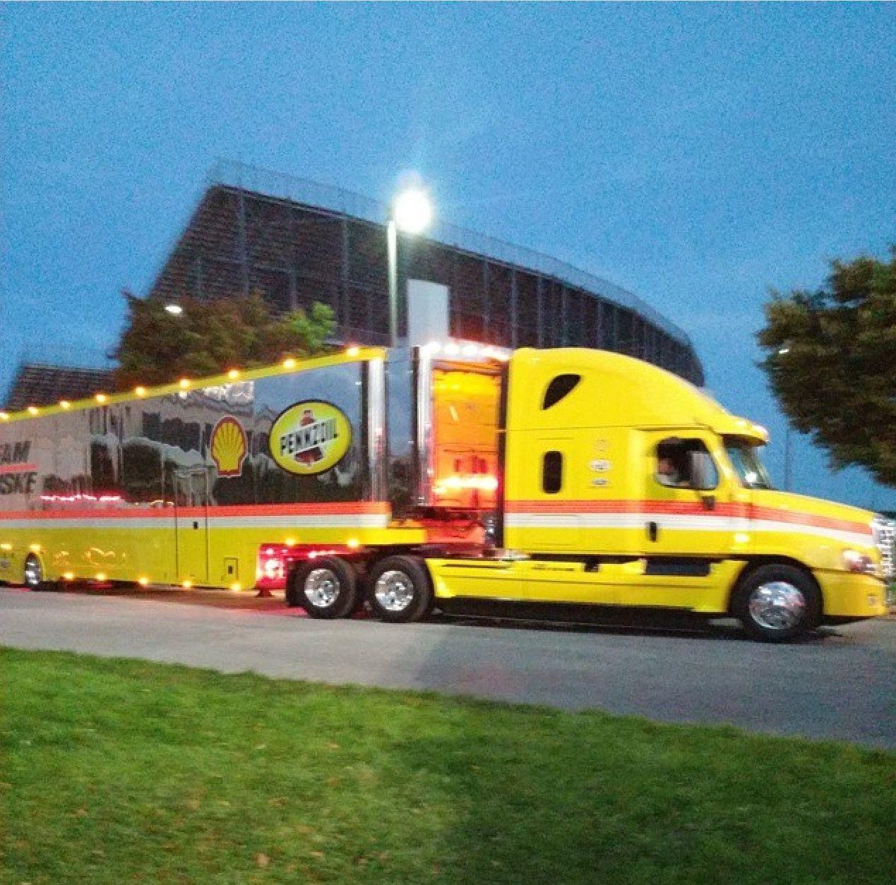 Penzoil Hauler Shell Freightliner Cascadia Transporter Penske