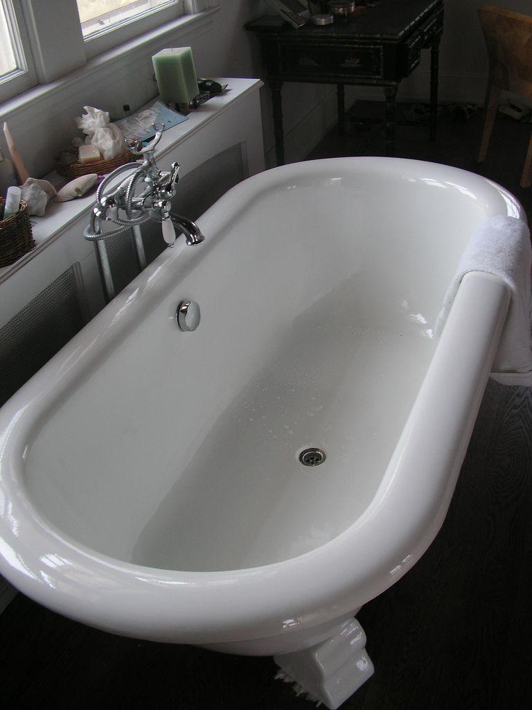 Bathtub Doctor http://www.bathtubdoctor.com/index.php/services/49 ...