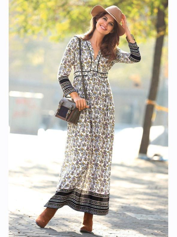 59b2339ad Vestido largo de mujer escote caftán estampado con cenefas ...