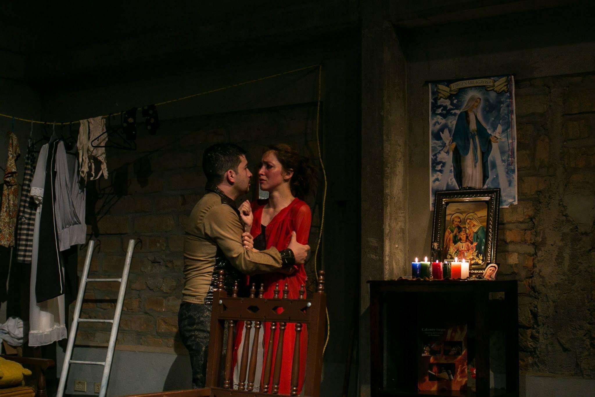 Hay que apagar fuego del grupo El Anhelo Del Salmón Bogota * Casa Del Teatro de Medellín * Décima fiesta de las artes escénicas * Foto: Sara Jurado