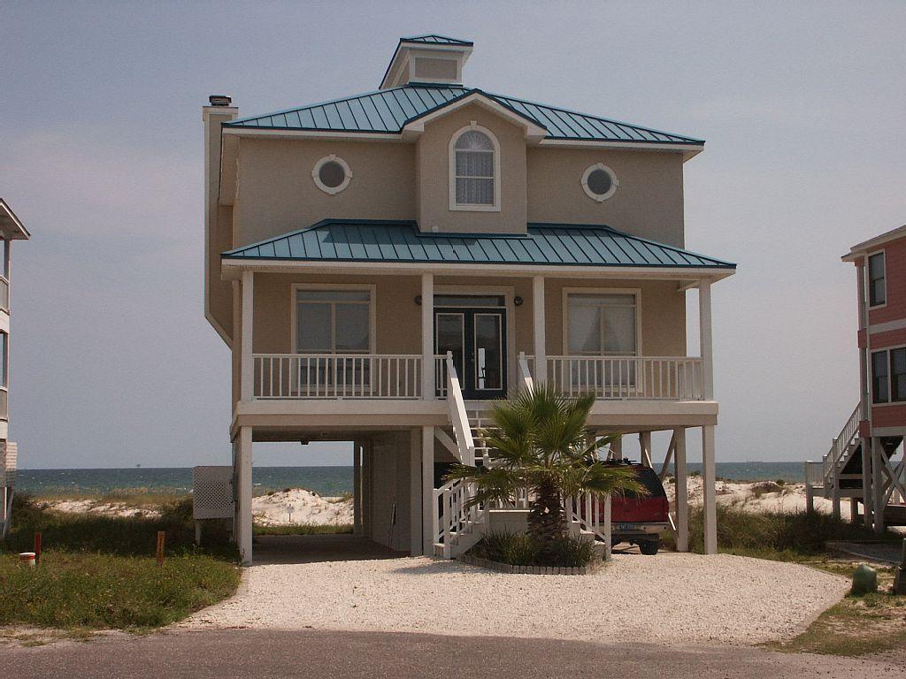 Beautiful beachfront home open jun 15 to 22 fort