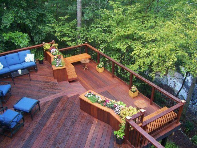 Haus Balkon Schöne Aussicht Sitzfläche Pflanzkübel Garten