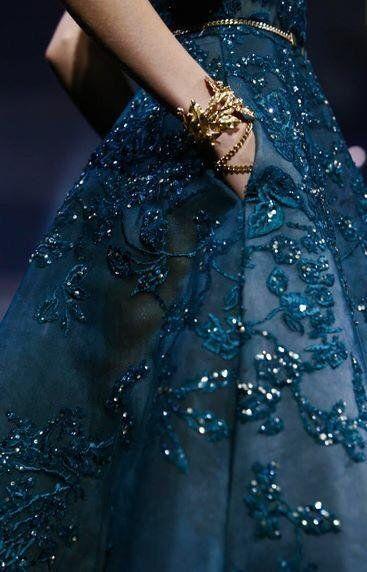 Pin von Karina Viktoria auf Couture   Couture kleider ...