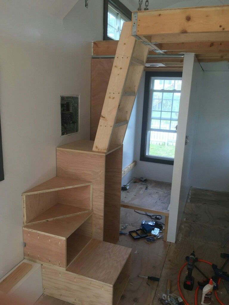 Pin By Sarah Person On Interer Tiny House Stairs Tiny House Loft House Stairs