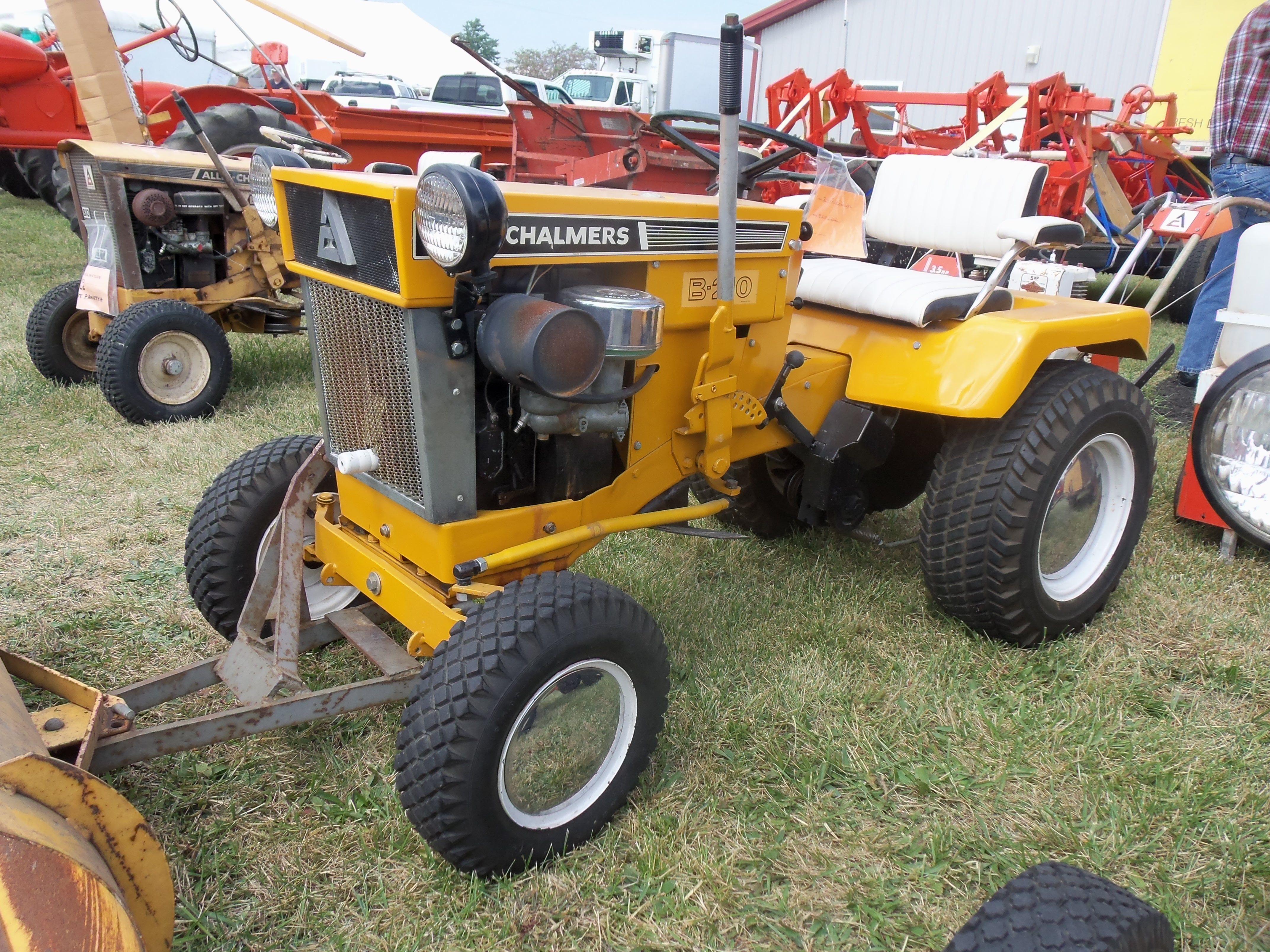 Allis Chalmers B210   Allis-Chalmers   Pinterest   Tractor